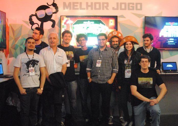 Renato Degiovani está à esquerda, com cabelos brancos. Foto: Reprodução/Sertão Games